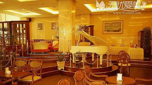 梦幻欧式钢琴唯美图